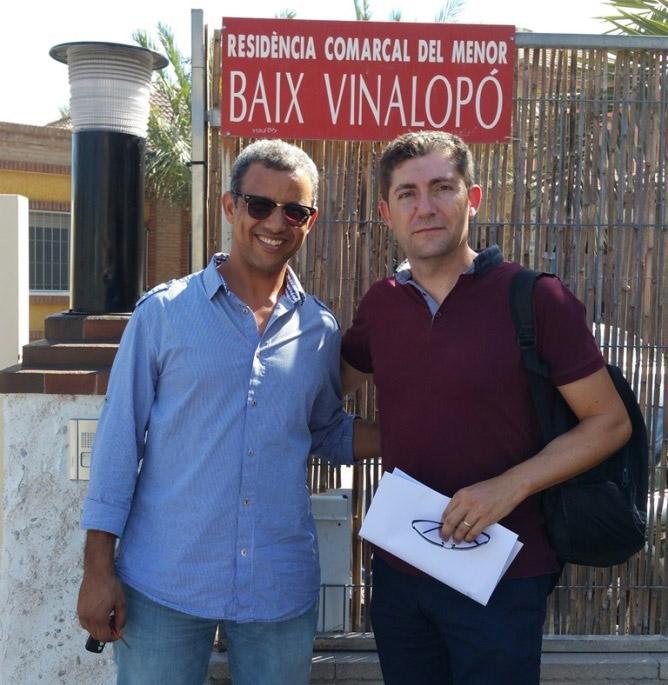 Director of Fundación Arcos del Castillo Mohamed  Lamin Turad  with Francisco Manuel Jurado, of Specsavers Opticas